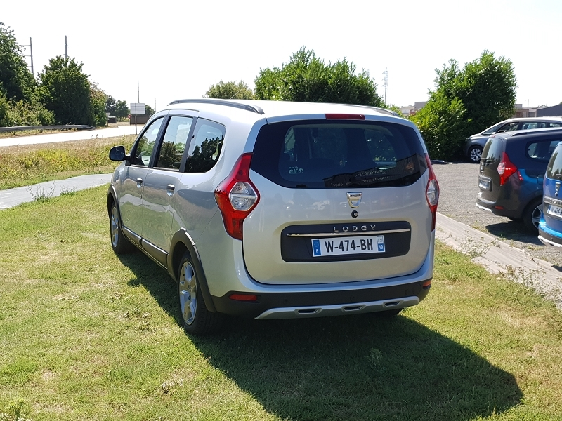 Photo 2 de l'offre de DACIA LODGY 1.5 BLUE DCI 115CH STEPWAY 7 PLACES à 17990€ chez Willy Mathey automobiles